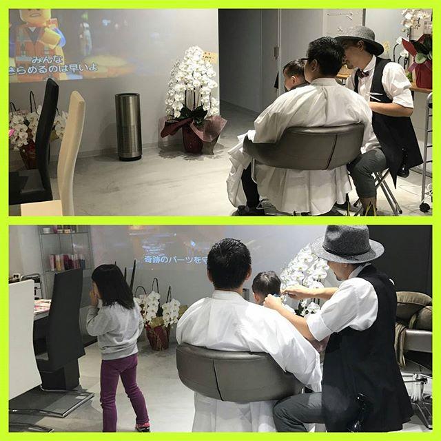 家族一同で、ご来店~100インチのスクリーンで、アニメの映像を流して子供が集中している間にカットベビーカーでのご来店でも、お気軽に中学生以外は、カット¥2500です。初めての方は、カット、カラーorカット、パーマ¥9000です詳しいは、0452949708まで#子供#子供カット#貸し切り#綱島#美容室#美容院#子供が泣いても安心#オシャレ#カット#ランウェーズ#ランウェイズ#runway's#Runway's#關#關隆之#隠れ家#ママの味方#スタイリングをもっと簡単に